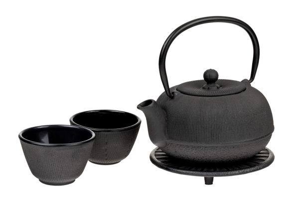 wuwei-cast-iron-tea-set